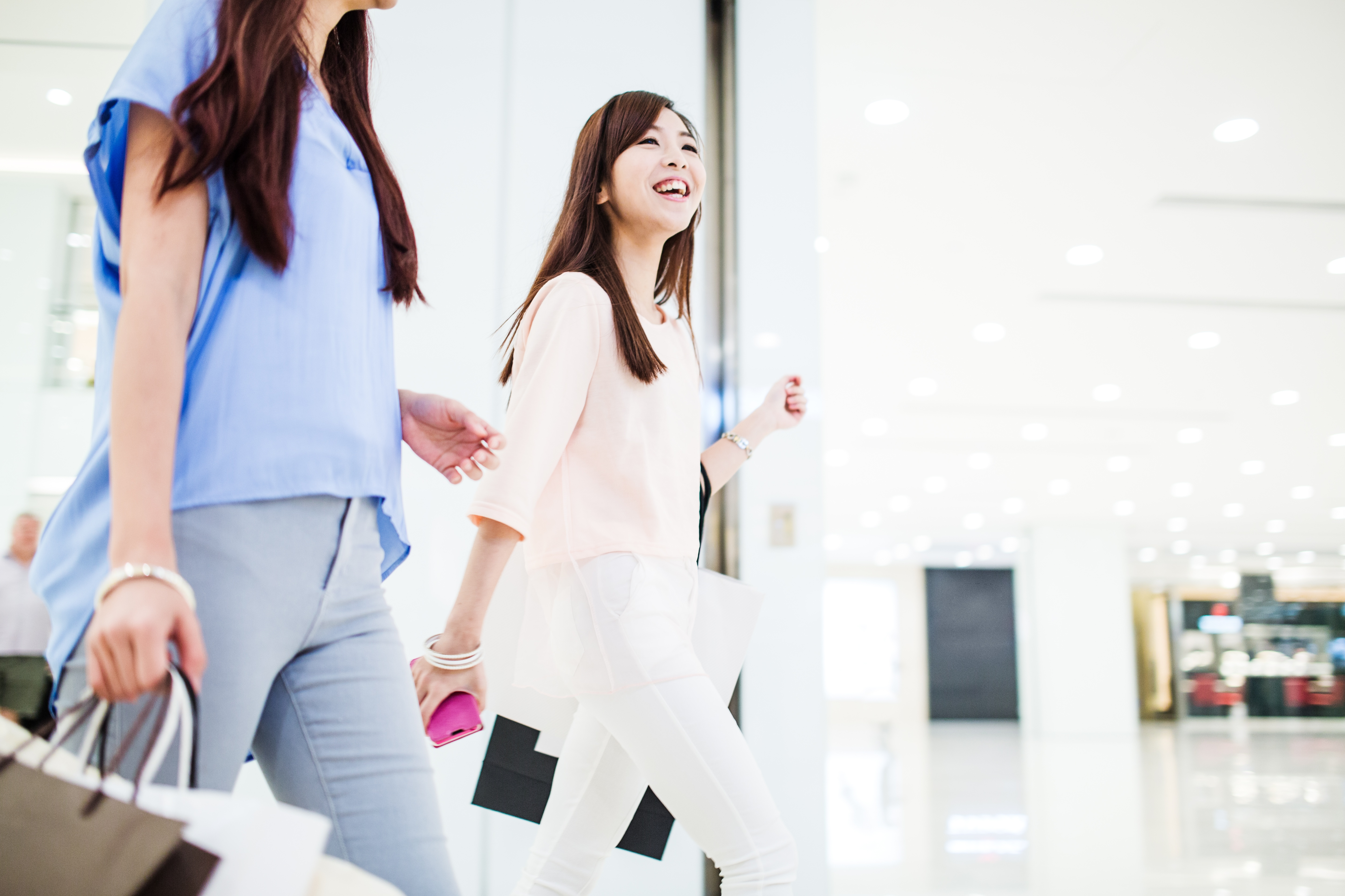 Chinese consumers shopping